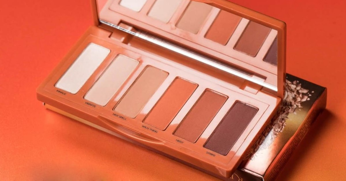 Urban Decay Petite Naked Heat Eyeshadow Palette